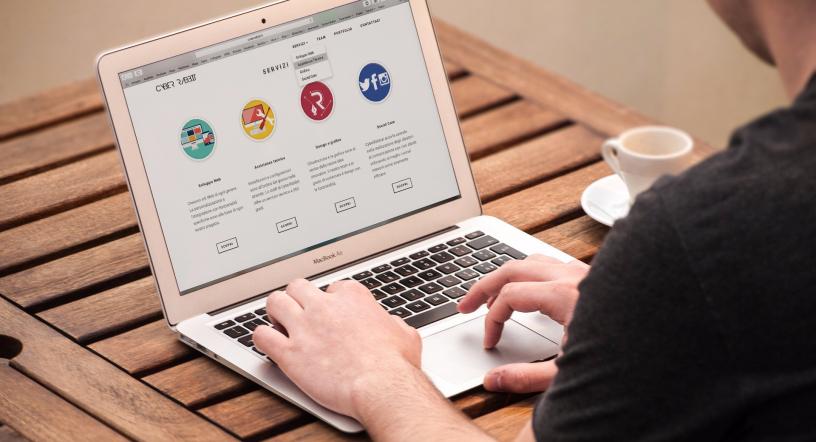 Sử dụng code tay khi thiết kế website chuyên nghiệp